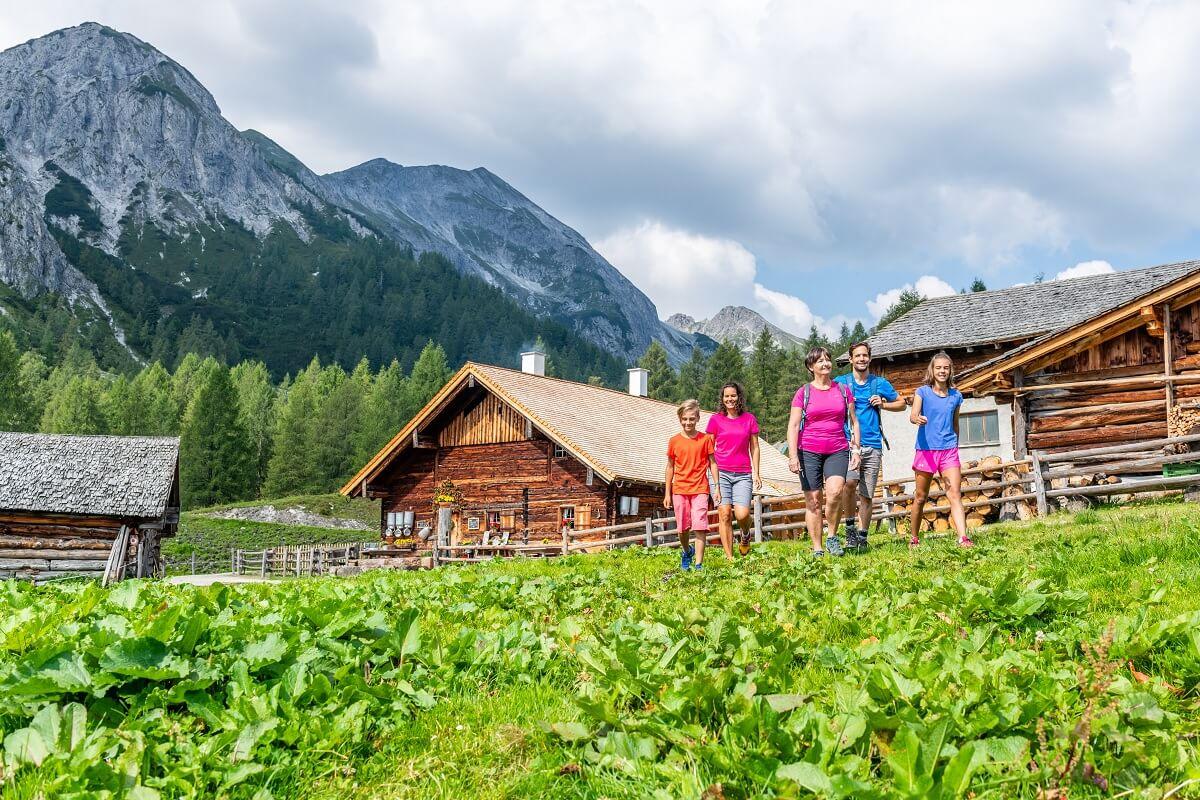 altenmarkt-zauchensee-sommer-tauernkarleitenalm-wandern2
